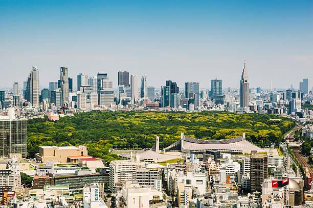 tokyo skyline - shinjuku ward stock photos and pictures