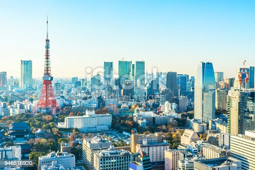 931105838 istock photo tokyo tower under blue sky and sunny day in hamamatsucho, Japan 946516920