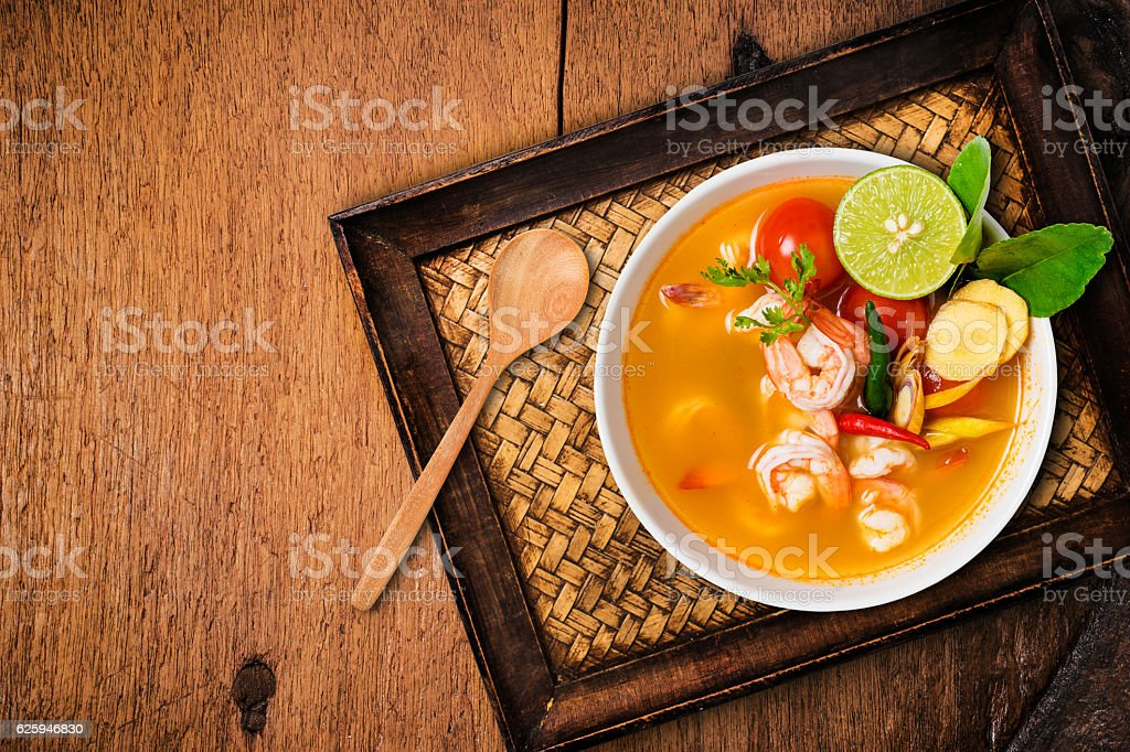 Tom yam kong or Tom yum, Thai food. - foto de acervo