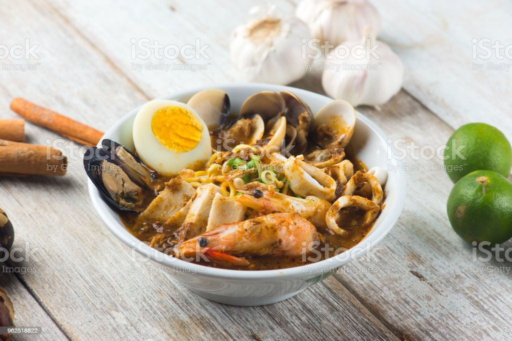 tom yam seafood noodle - Royalty-free Bowl Stock Photo