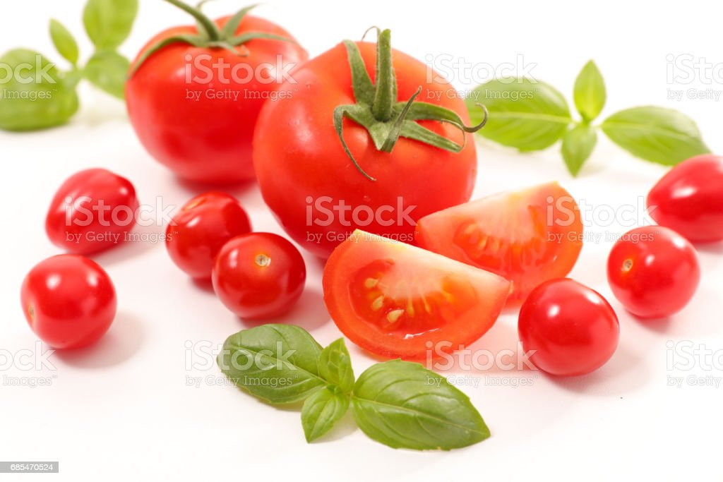 tomato and basil isolated on white foto de stock royalty-free