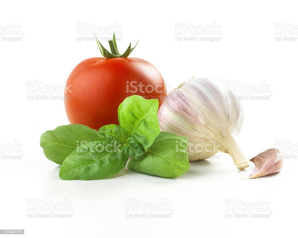 tomato, basil leaf and Garlic​​​ foto