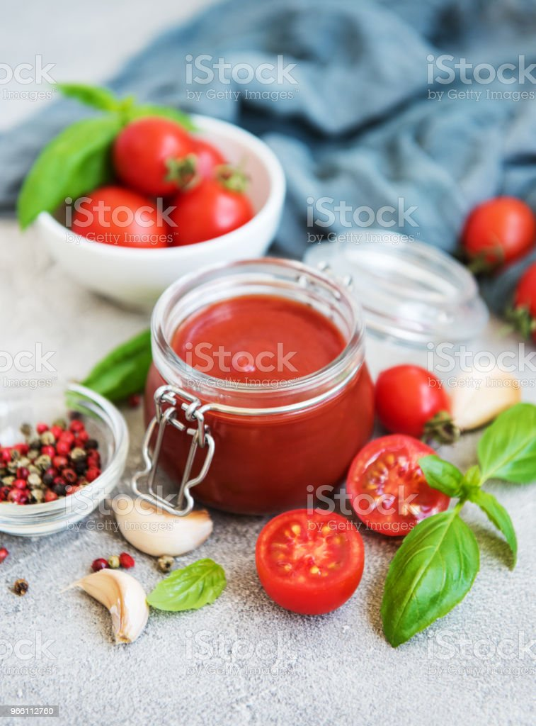 Tomato sauce in a jar - Royalty-free Basil Stock Photo