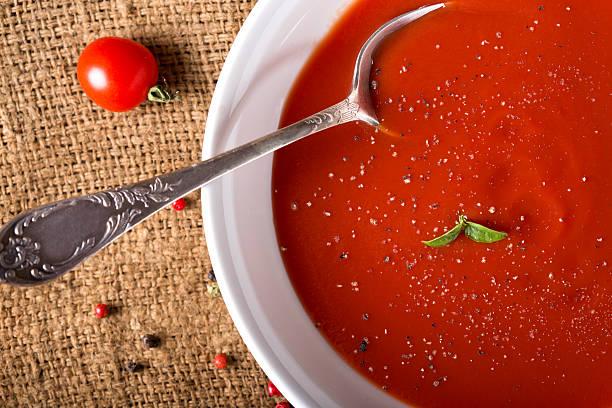 tomatensuppe - hausgemachte tomatensuppen stock-fotos und bilder