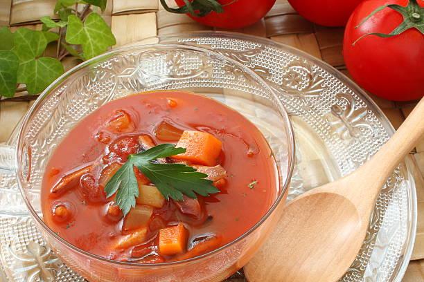 tomato soup, vegetable soup - kalte tomatensuppe stock-fotos und bilder
