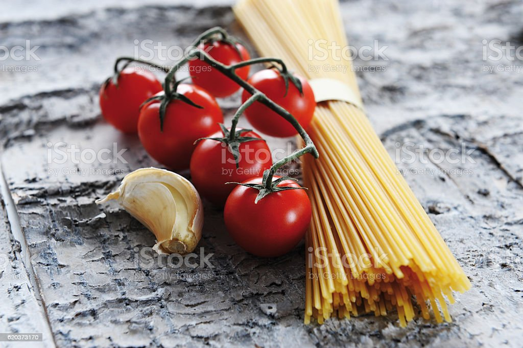 tomato spaghetti garlic foto de stock royalty-free