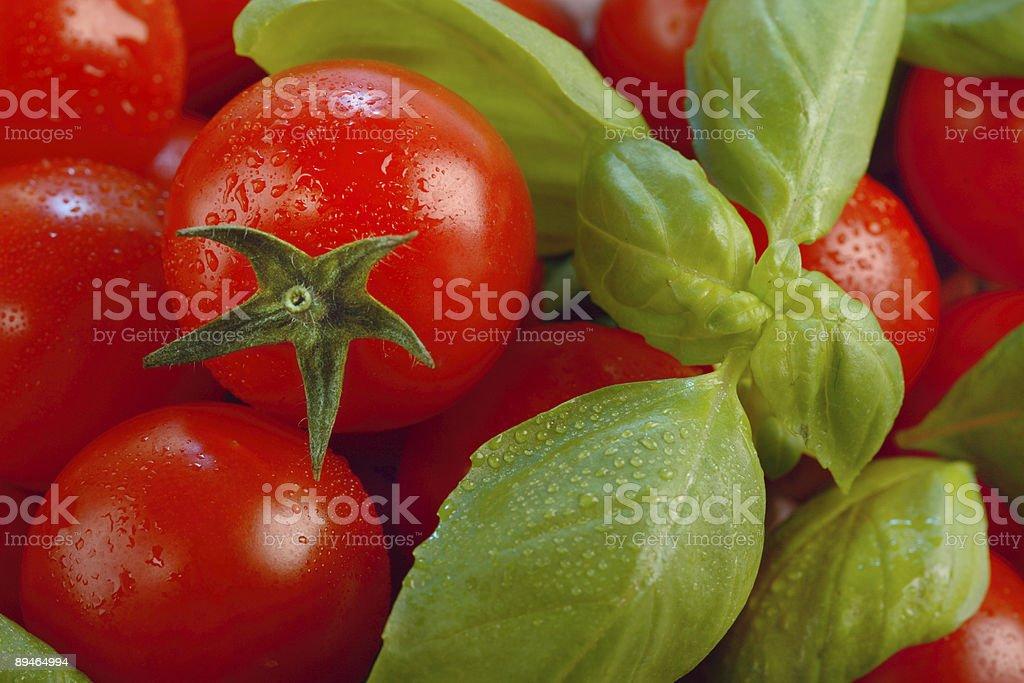 Tomate et au basilic photo libre de droits