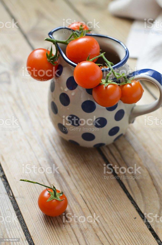 Tomaten auf einem Topf – Foto