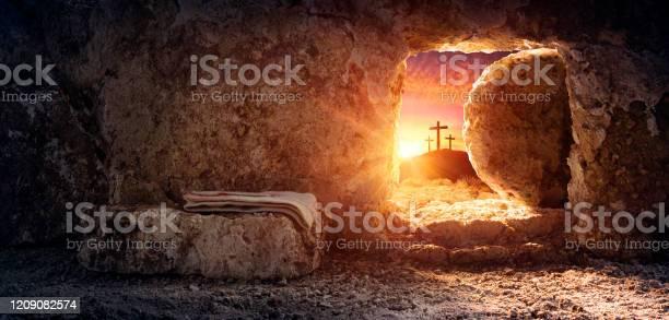 Tomb empty with shroud and crucifixion at sunrise resurrection of picture id1209082574?b=1&k=6&m=1209082574&s=612x612&h=6aco6rdqmarldbezu1s8bkvsovre12x8muqofvtra9c=