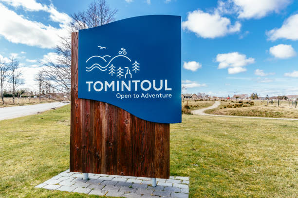 tomintoul village sign, aberdeenshire, scotland - place sign stock pictures, royalty-free photos & images