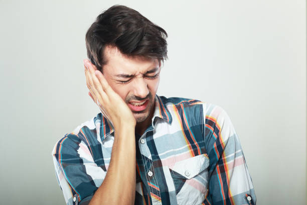 dolor de dientes - mandibula fotografías e imágenes de stock
