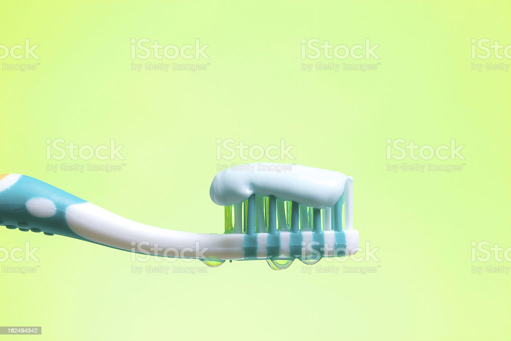 Brosse à dents sur green - Photo