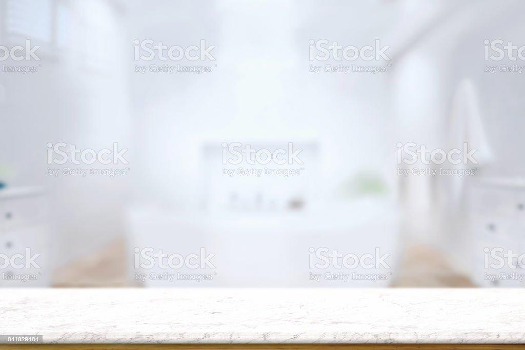 頂尖大理石櫃檯或副本空間模糊的浴室背景中的表。 複製產品顯示概念空間。圖像檔