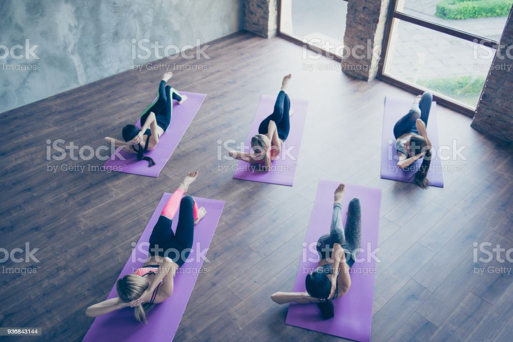 Top up of side abs spin twist work out. Five concentrated sporty...