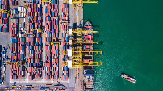 화물 선박 및 컨테이너 싱가포르와 깊은 물 포트의 상위 뷰 항공 보기 0명에 대한 스톡 사진 및 기타 이미지