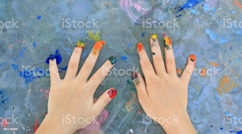 Unha da menina criança vista superior pintura de aquarela. - foto de acervo