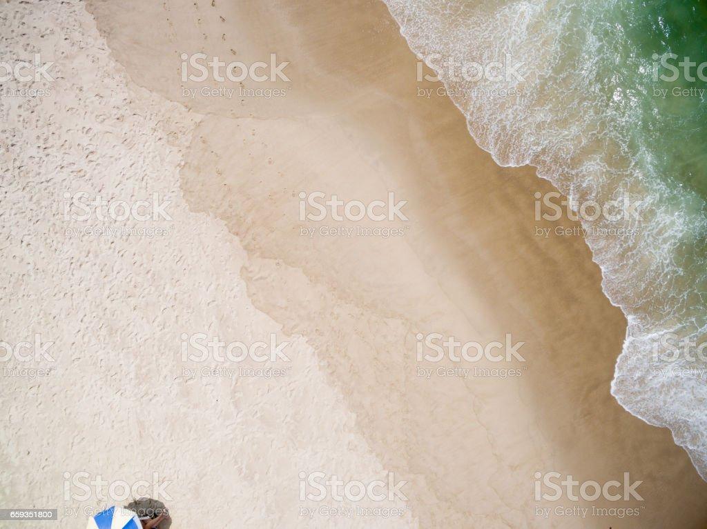 Vista superior de una isla paradisíaca - foto de stock