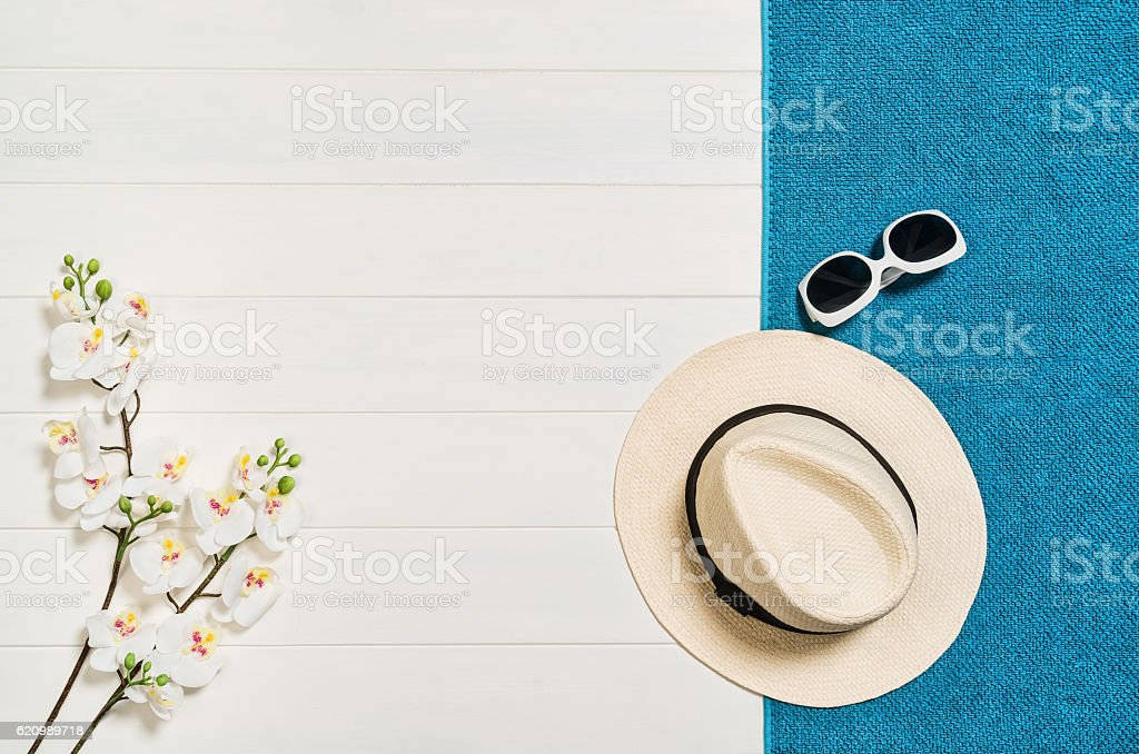 Top view of beach summer accessories with copy space. foto royalty-free