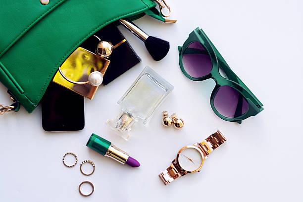 top view of female fashion accessories - kişisel aksesuar stok fotoğraflar ve resimler
