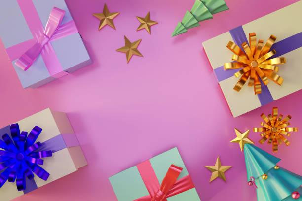 Top-Ansicht von Geschenk-Boxen, glänzende Kugel und Weihnachtsbaum mit leerem Raum. – Foto