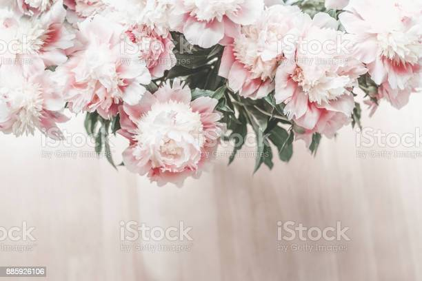 Top view of glorious pastel pink bouquet of peonies picture id885926106?b=1&k=6&m=885926106&s=612x612&h=bq6svexzipfnpt5xqugzlvxunctlvvn9hnpyilv3p 0=