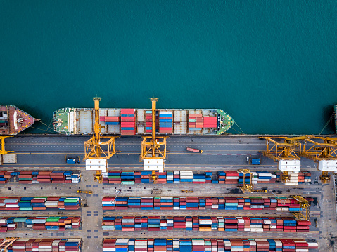 Bovenaanzicht Van Internationale Haven Met Kraan Laden Van Containers In De Import Export Bedrijf Logistiek Stockfoto en meer beelden van Bangkok