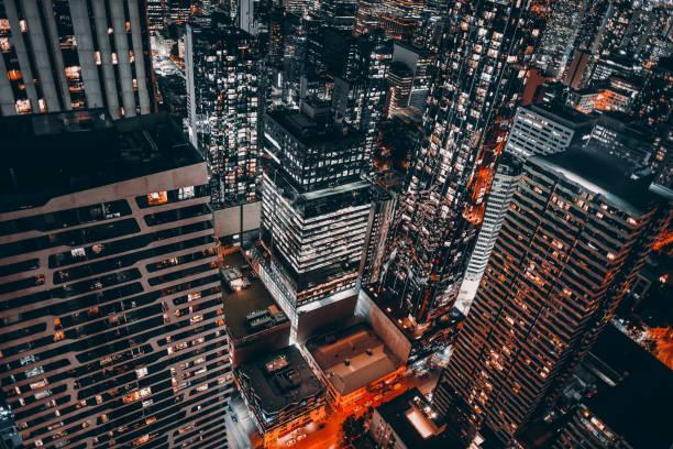 top view of melbourne cbd at night - quartiere finanziario foto e immagini stock
