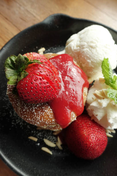 Top view of pancake with strawberry and ice cream – zdjęcie