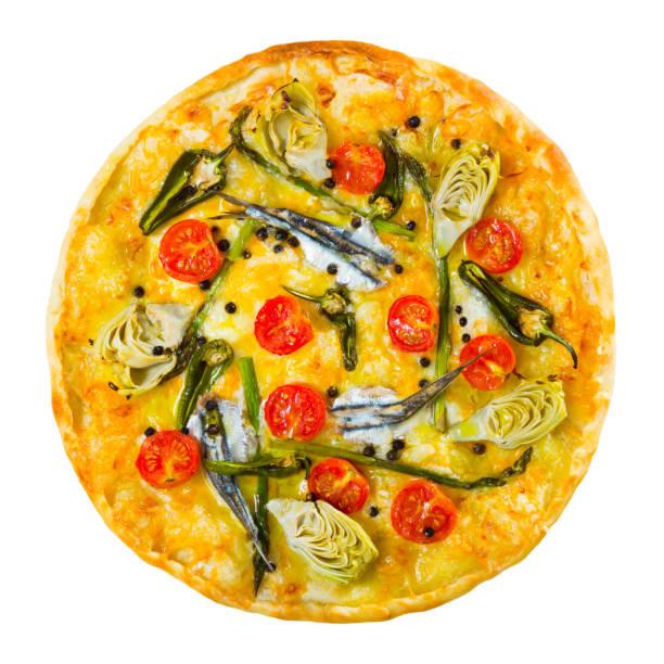 draufsicht der pizza mit sardellen, artischocken, käse, getrockneten tomaten - artischocken gesund stock-fotos und bilder