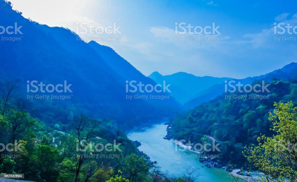 Vista superior do Rio ganga rishikesh India - Foto de stock de Arcaico royalty-free