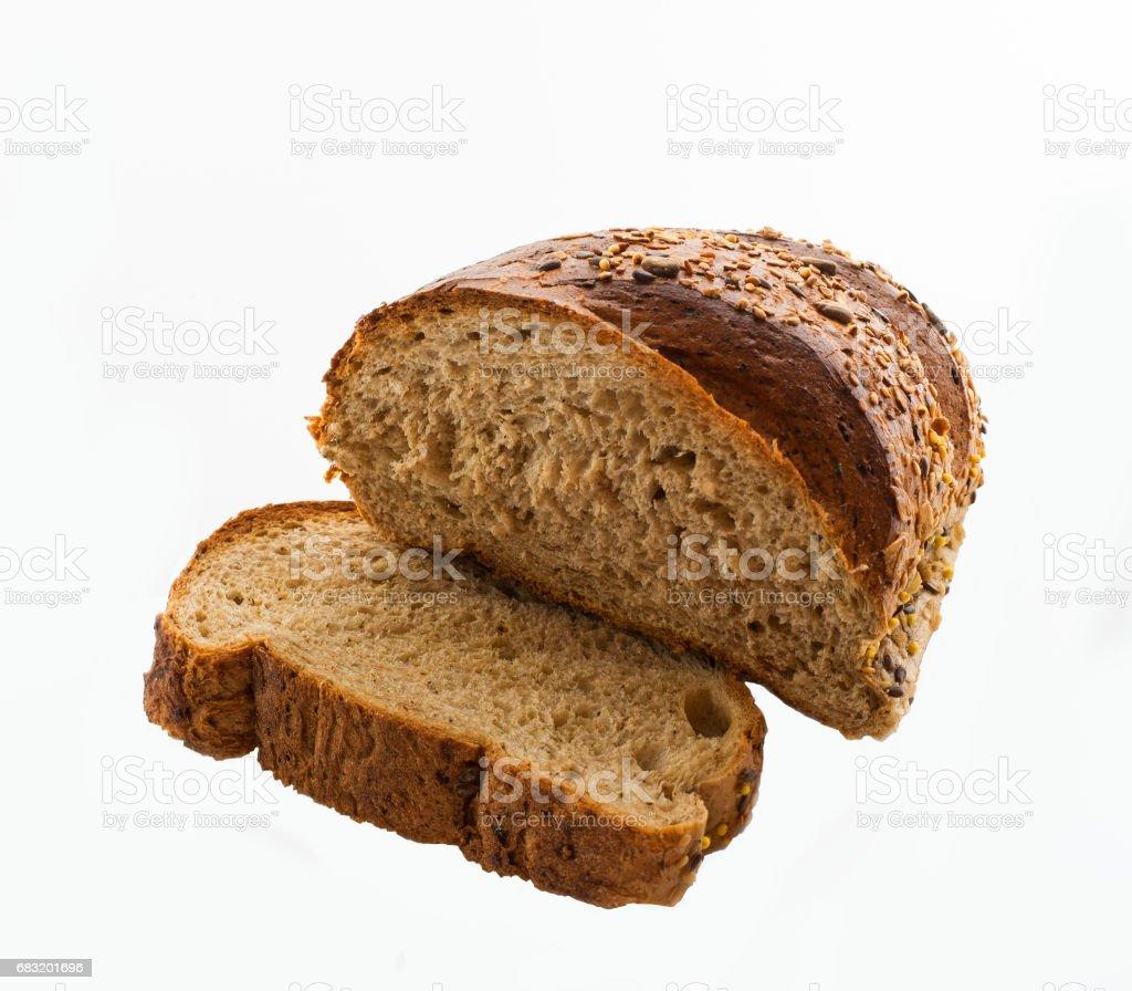 頂視圖的片的全麥麵包分離在白色的背景 免版稅 stock photo