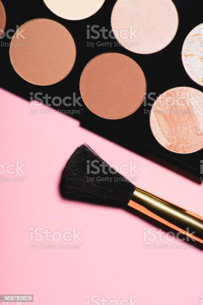 Top view of various blushes palette with brush on pink surface picture id959783626?b=1&k=6&m=959783626&s=612x612&h=dncjtvkpnwjufrf4shhqmrjj7cyhqncwykfwux8rzkw=