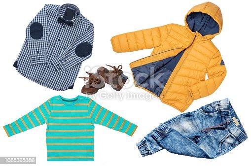 75939f3df9a4 ᐈ Imagen de Ropa de invierno para niños. Un conjunto de collage de ...