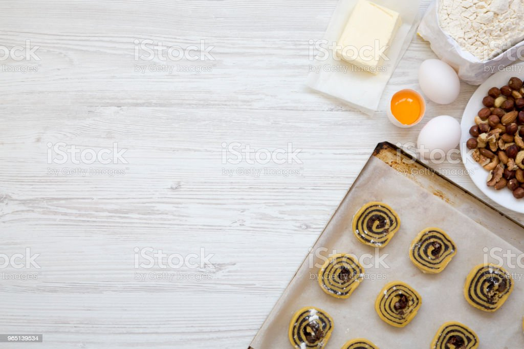 Top view, unbaked raw cookies with ingredients for making cookies. From above, flat lay. Copy space. zbiór zdjęć royalty-free
