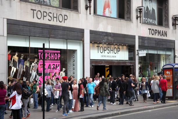 topshop-bekleidungsgeschäft - dokumentation stock-fotos und bilder