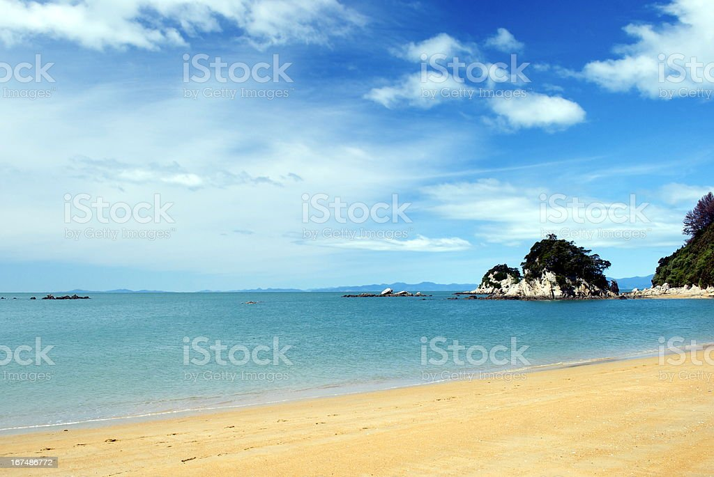 Torlesse Rock & Little Kaiteriteri Bay, Tasman, New Zealand stock photo