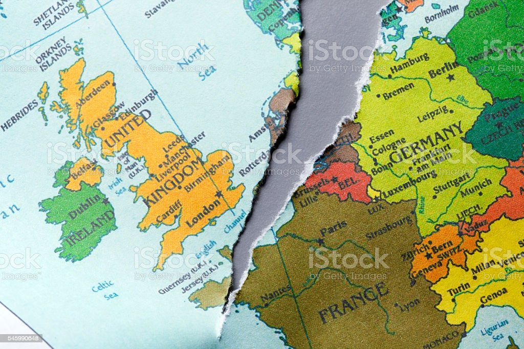 Torn Map Of Europe - Foto de stock de Brexit libre de derechos