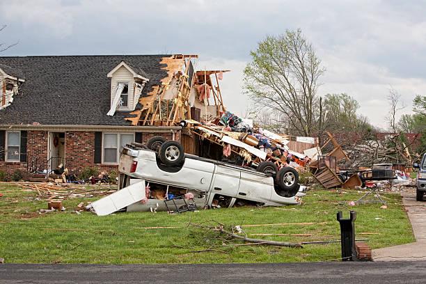 tornado victims - tornado stockfoto's en -beelden