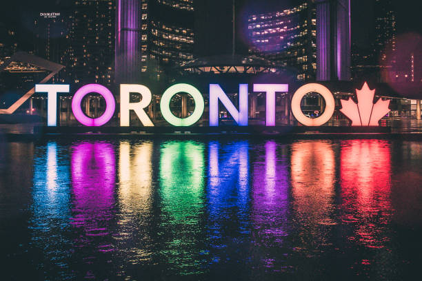 toronto sign in nathan phillips square - toronto stock pictures, royalty-free photos & images
