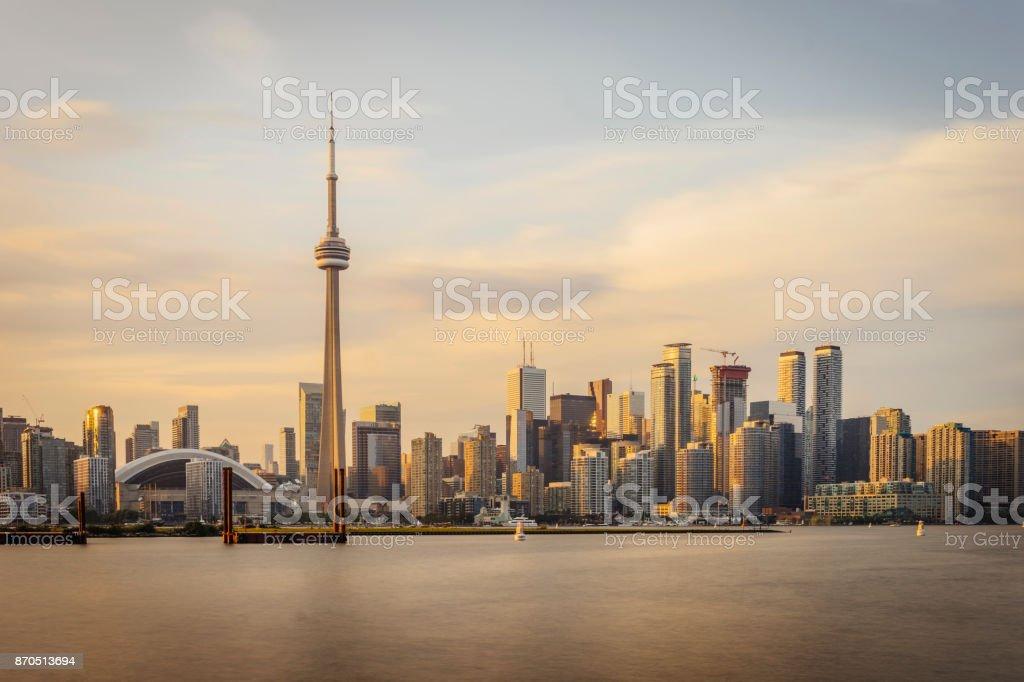 Toronto Skyline bei Sonnenuntergang aus Toronto Islands – Foto