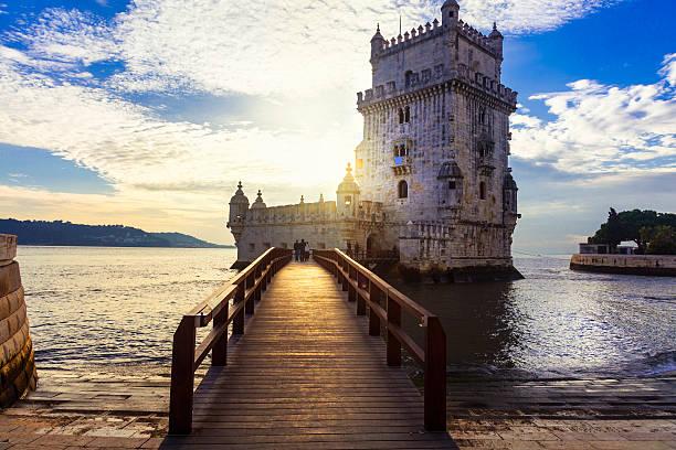 torre de belem - lisbon , portugal - wunder stock-fotos und bilder