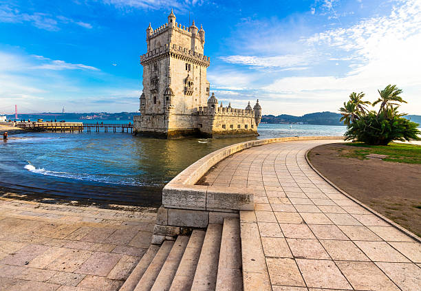 torre z belém, gród z lizbona, portugalia - lizbona zdjęcia i obrazy z banku zdjęć