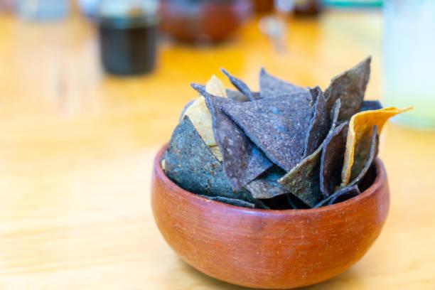 torrilla in mexikanischem restaurant, mexiko - meeresfrüchte enchiladas stock-fotos und bilder