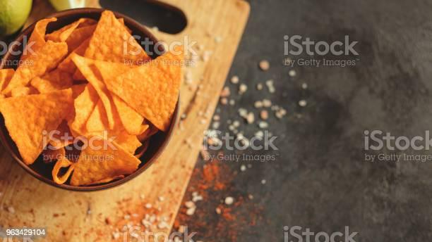 Tortilla Nacho Chipsy Żywności Tło Ostre Plasterki - zdjęcia stockowe i więcej obrazów Bez ludzi