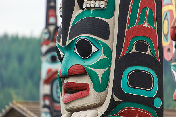 Totem pole at North America Totem pole by North American Native indians indigenous peoples of the americas stock pictures, royalty-free photos & images