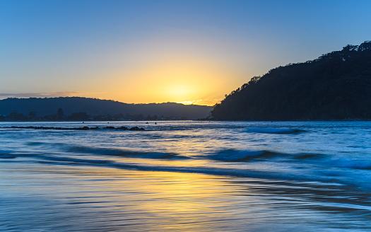 노란색일출 바다 경치의 터치 0명에 대한 스톡 사진 및 기타 이미지