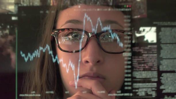touch skärmen analysera handel - investigating eye bildbanksfoton och bilder