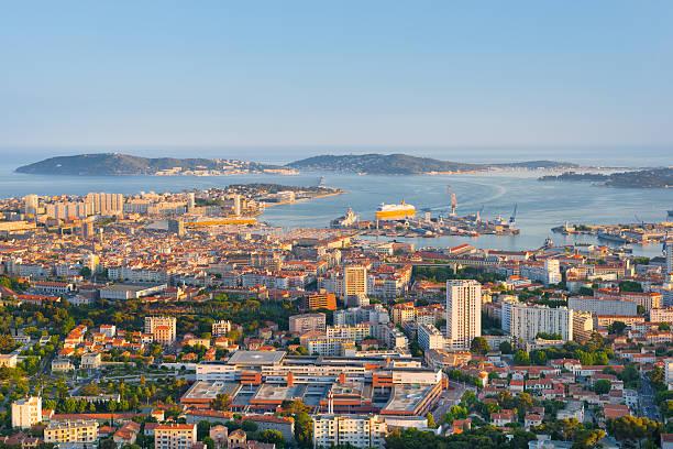 Toulon bei Sonnenuntergang – Foto