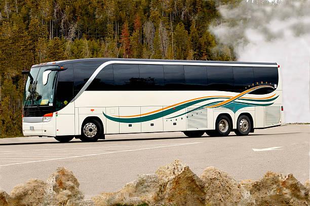 bereisen amerika ii - tour bus stock-fotos und bilder