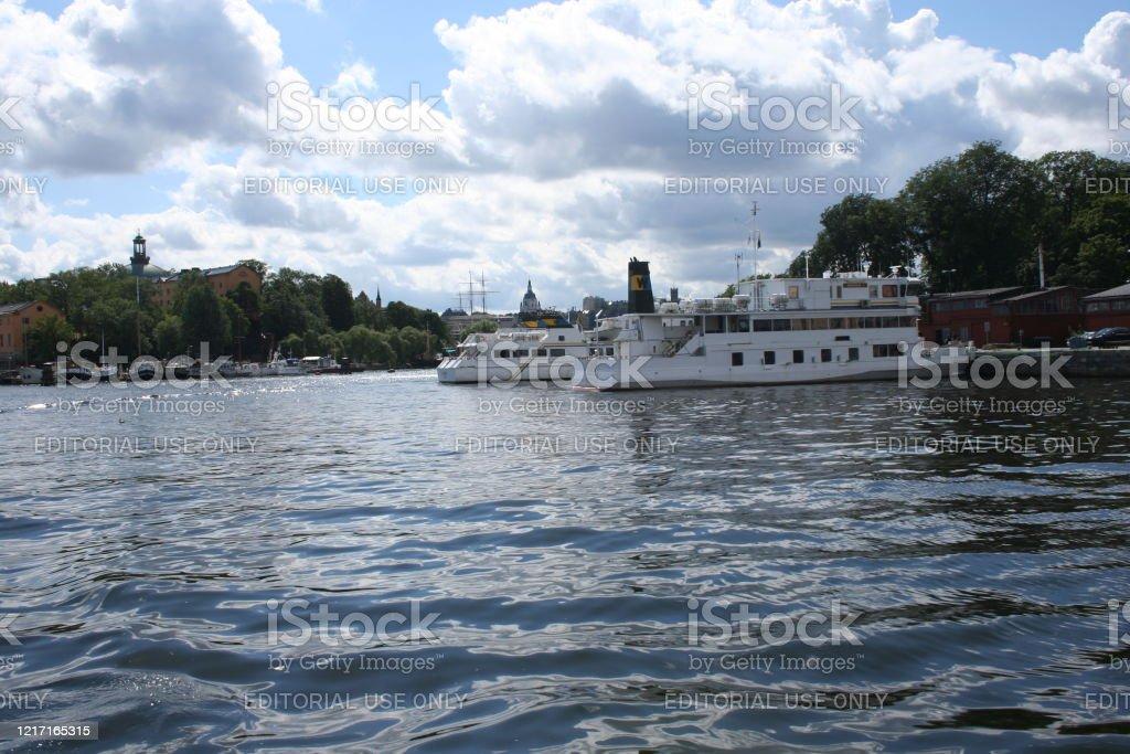 Turistbåtar på Mälaren, Stockholm - Royaltyfri Angöringsbrygga Bildbanksbilder